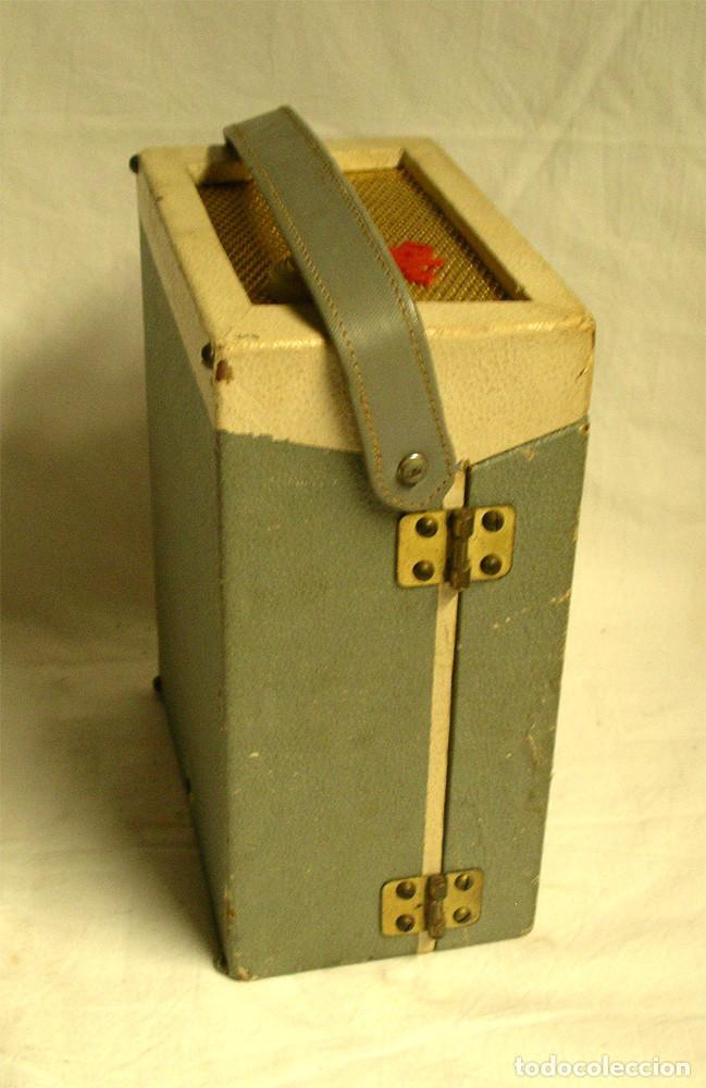 Fonógrafos y grabadoras de válvulas: Pequeño tocadiscos Tho, no probado. Med. 19 x 14 x 9 cm - Foto 4 - 194407928