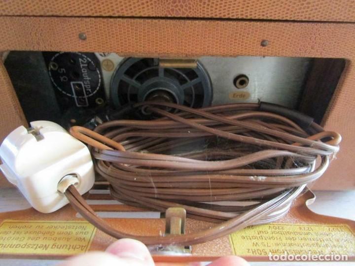 Fonógrafos y grabadoras de válvulas: Antiguo Magnetófono AEG Magnetofon kl25 en la maleta marrón GRABADORA 170 euros MUY PESADO - Foto 5 - 201557766