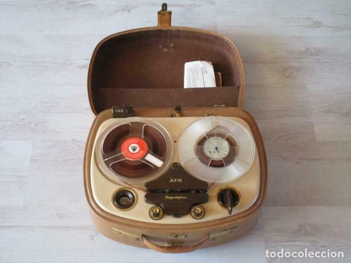 ANTIGUO MAGNETÓFONO AEG MAGNETOFON KL25 EN LA MALETA MARRÓN GRABADORA 170 EUROS MUY PESADO (Radios, Gramófonos, Grabadoras y Otros - Fonógrafos y Grabadoras de Válvulas)