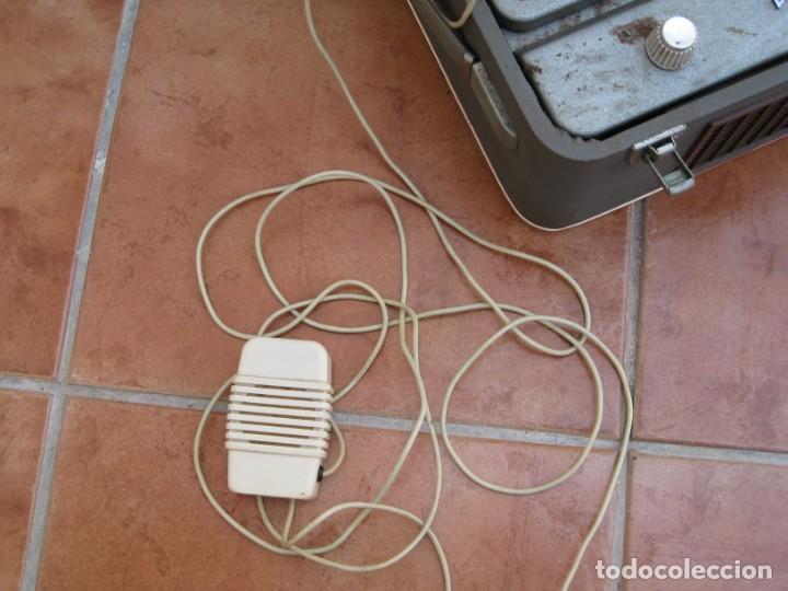 Fonógrafos y grabadoras de válvulas: Antiguo magnetofono Philips. Años 50. No funciona. - Foto 11 - 214495028