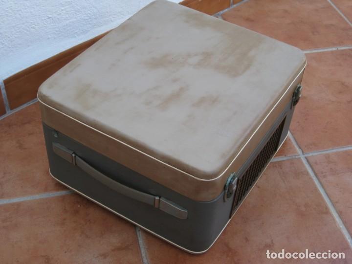 Fonógrafos y grabadoras de válvulas: Antiguo magnetofono Philips. Años 50. No funciona. - Foto 20 - 214495028