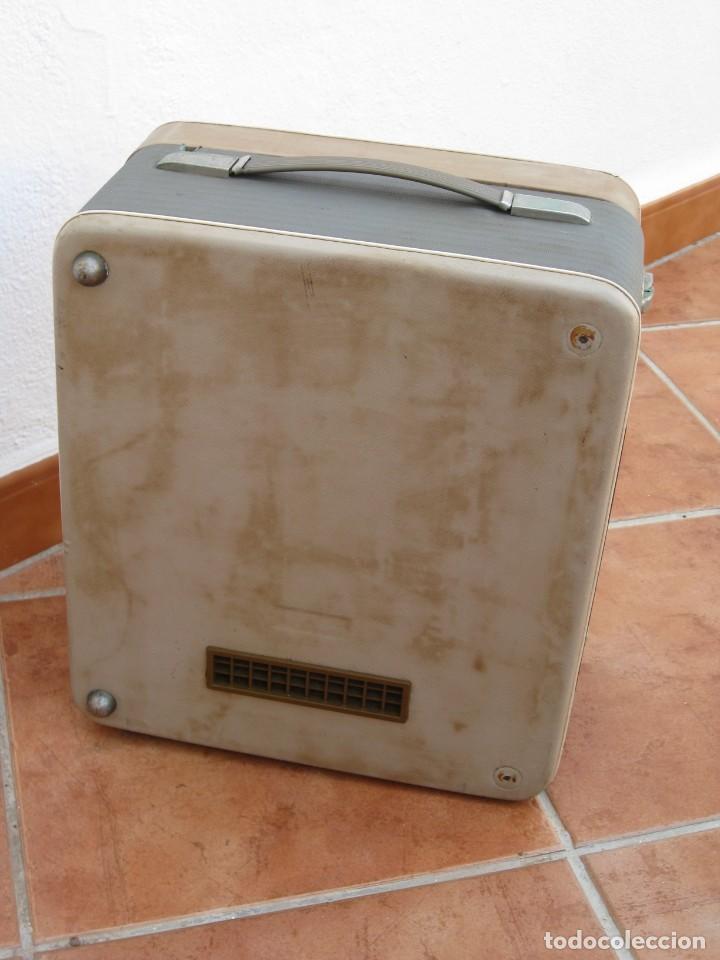 Fonógrafos y grabadoras de válvulas: Antiguo magnetofono Philips. Años 50. No funciona. - Foto 21 - 214495028