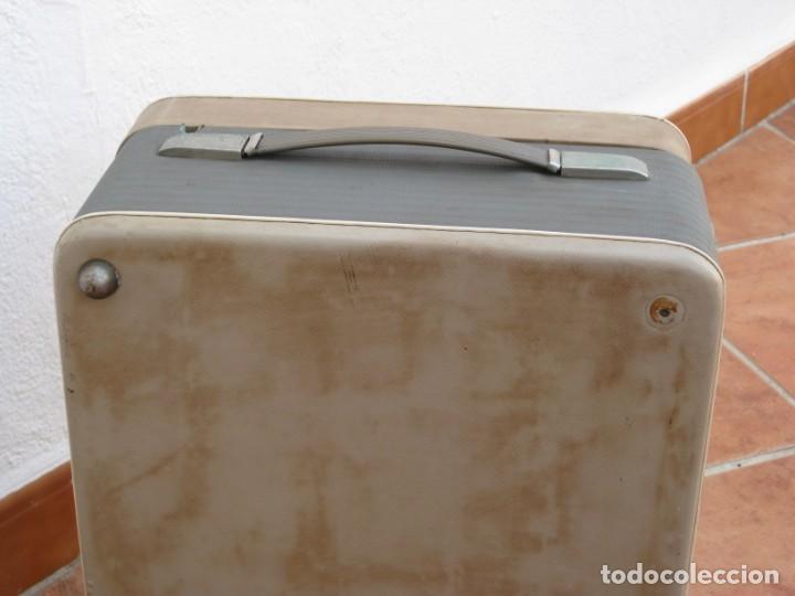 Fonógrafos y grabadoras de válvulas: Antiguo magnetofono Philips. Años 50. No funciona. - Foto 22 - 214495028