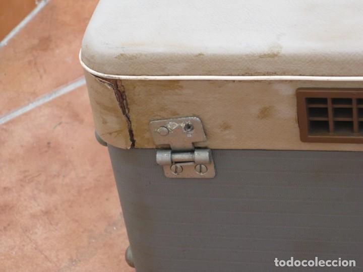 Fonógrafos y grabadoras de válvulas: Antiguo magnetofono Philips. Años 50. No funciona. - Foto 25 - 214495028