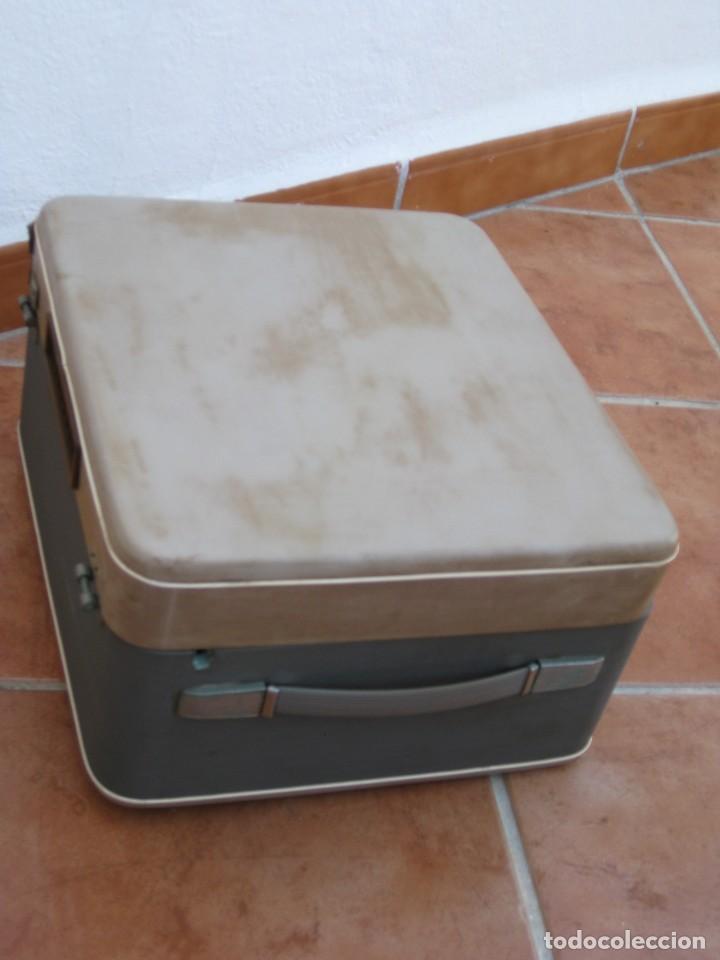 Fonógrafos y grabadoras de válvulas: Antiguo magnetofono Philips. Años 50. No funciona. - Foto 27 - 214495028