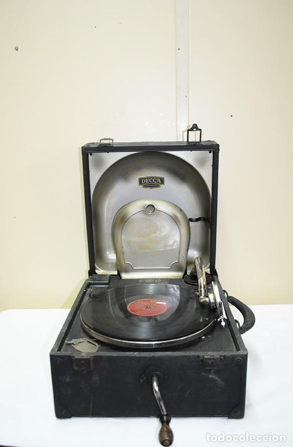 FONÓGRAFO ANTIGUO PORTÁTIL (Radios, Gramófonos, Grabadoras y Otros - Fonógrafos y Grabadoras de Válvulas)