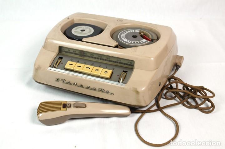 ANTIGUA GRABADORA/DICTAFONO GRUNDIG. (Radios, Gramófonos, Grabadoras y Otros - Fonógrafos y Grabadoras de Válvulas)
