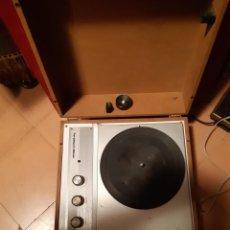 Fonógrafos y grabadoras de válvulas: TOCADISCOS AÑO 1972. Lote 236219715