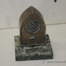 Radios de galena: ANTIGUA RADIO TIPO DE CAPILLA. EN METAL PLATEADO Y PLATA. . Lote 38372462