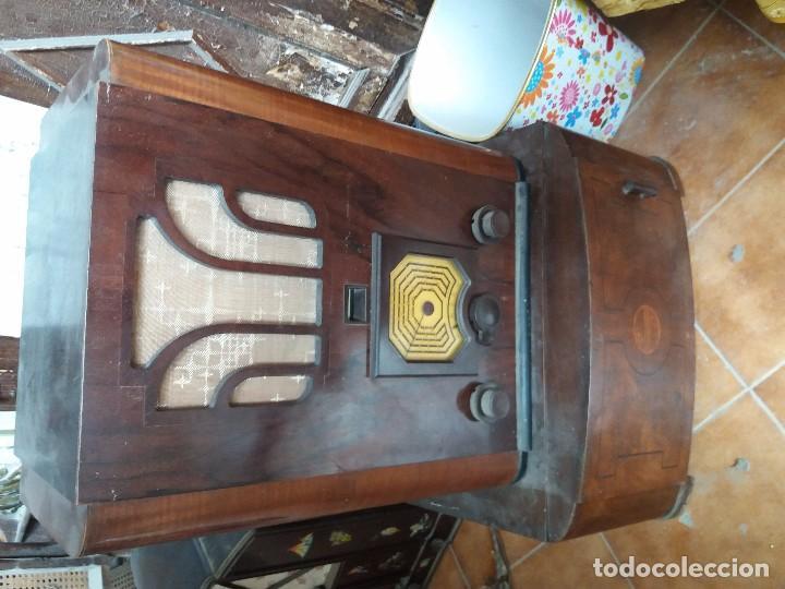 Radios de galena: radio antigua con tocadiscos - Foto 2 - 87672580