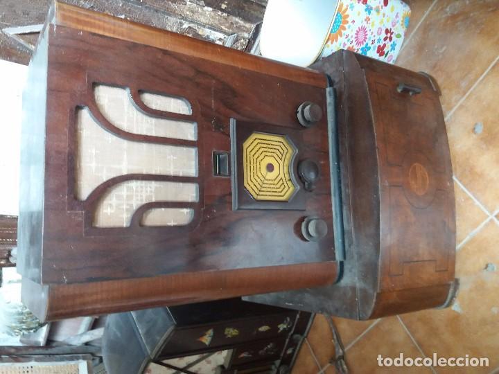 Radios de galena: radio antigua con tocadiscos - Foto 4 - 87672580
