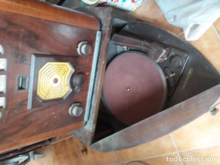 Radios de galena: radio antigua con tocadiscos - Foto 5 - 87672580