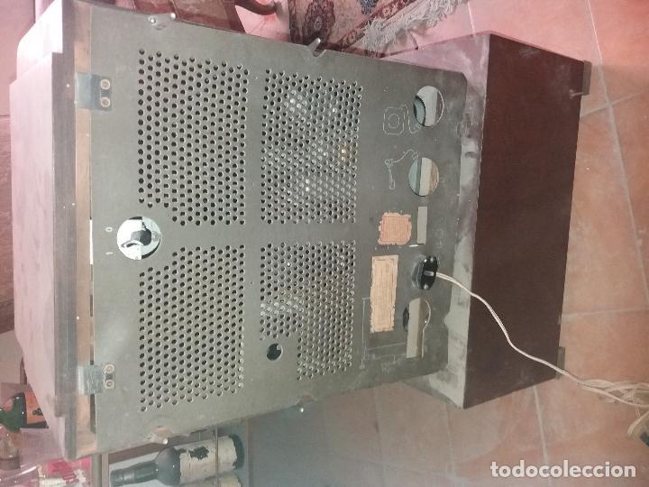 Radios de galena: radio antigua con tocadiscos - Foto 9 - 87672580