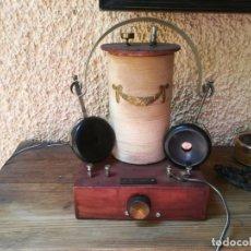 Radios de galena: RADIO DE GALENA CON AURICULARES DE ALTA IMPEDANCIA. Lote 143998422