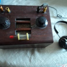 Radios de galena: RADIO DE GALENA DE LOS AÑOS 1928/30 CON CASCOS Y GALENA. Lote 173810028