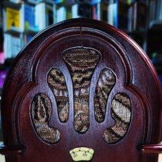 Radios de galena: ANTIGUA RADIO DE MADERA. FUNCIONA PERFECTAMENTE DE ALTA CALIDAD. Lote 235641190