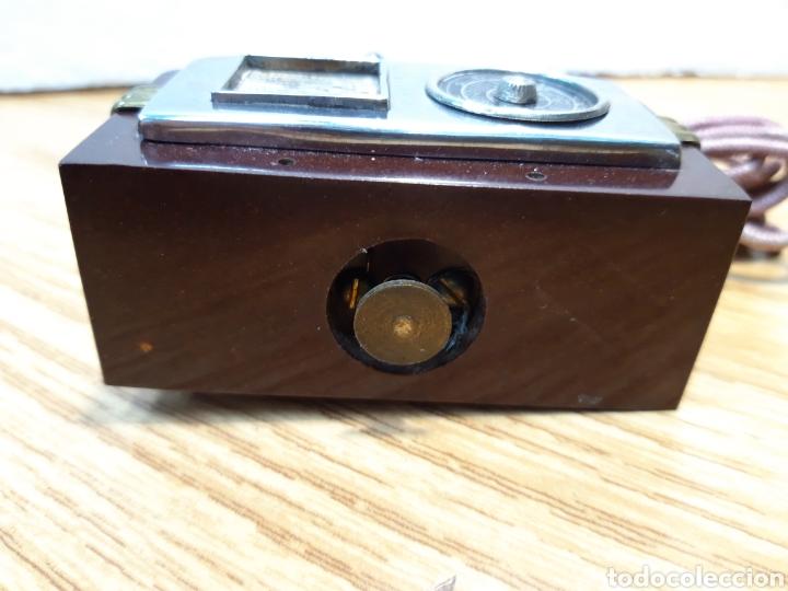 Radios de galena: Antiguo encendedor de mesa de baquelita forma de radio - Foto 4 - 213803067
