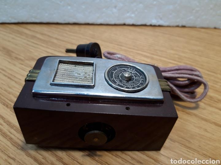 Radios de galena: Antiguo encendedor de mesa de baquelita forma de radio - Foto 5 - 213803067