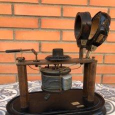Radios à galène: RADIO ANTIGUA DE GALENA MÁS PONIENDO USMO CON AURICULARES GALENE CRYSTAL WIRELESS. Lote 224994675