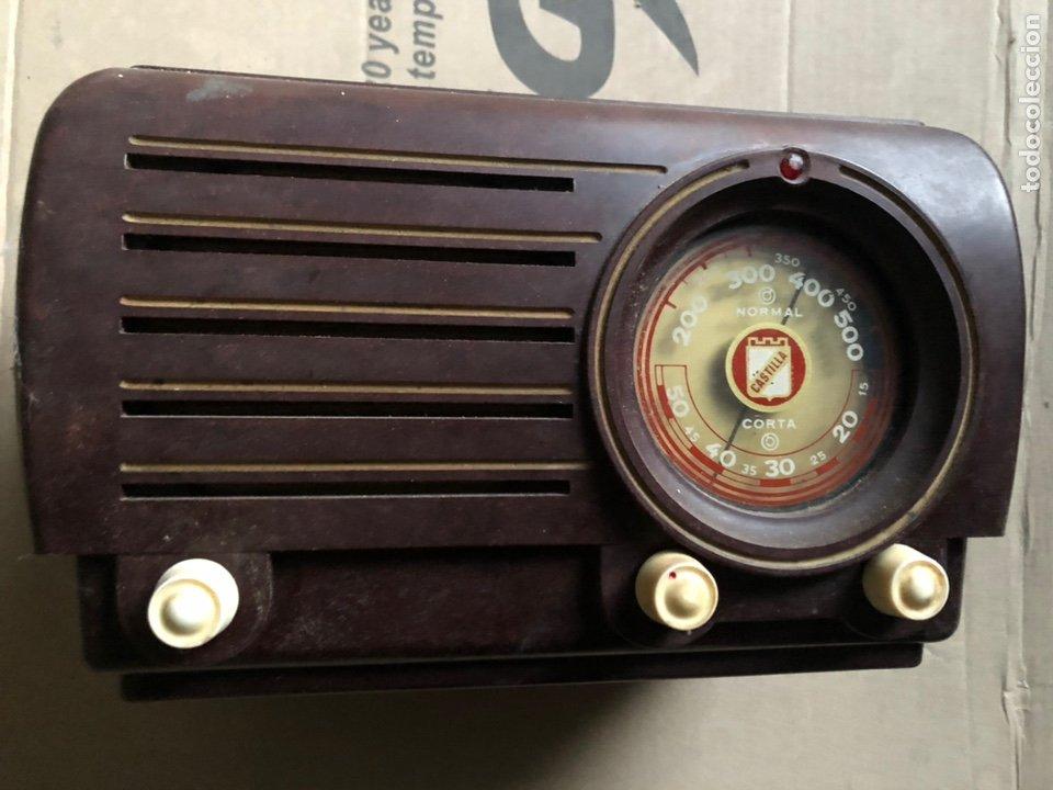 ANTIGUO RADIO PEQUEÑO Y A LA VEZ PESADO DE VALVULAS (Radios, Gramófonos, Grabadoras y Otros - Radios de Galena)