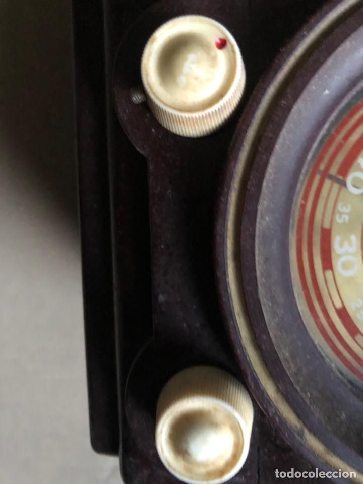 Radios de galena: Antiguo radio pequeño y a la vez pesado de valvulas - Foto 3 - 233554055