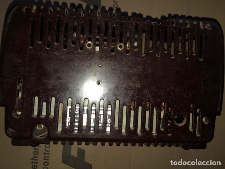 Radios de galena: Antiguo radio pequeño y a la vez pesado de valvulas - Foto 4 - 233554055