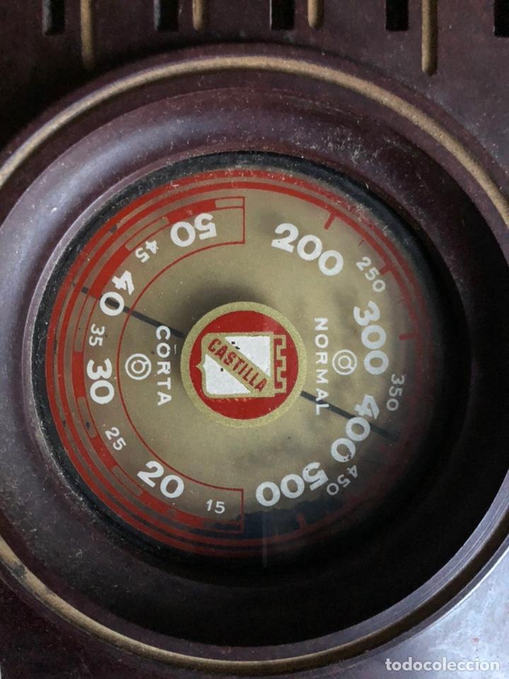 Radios de galena: Antiguo radio pequeño y a la vez pesado de valvulas - Foto 2 - 233554055