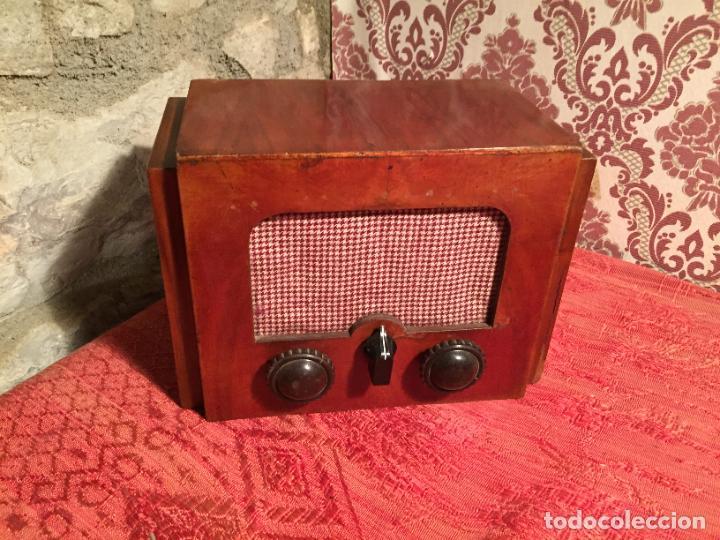 Radios de galena: Antigua pequeña radio de galena con caja de madera interruptores de Baquelita años 20-30 - Foto 2 - 260359590