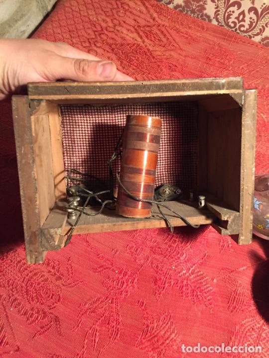 Radios de galena: Antigua pequeña radio de galena con caja de madera interruptores de Baquelita años 20-30 - Foto 7 - 260359590