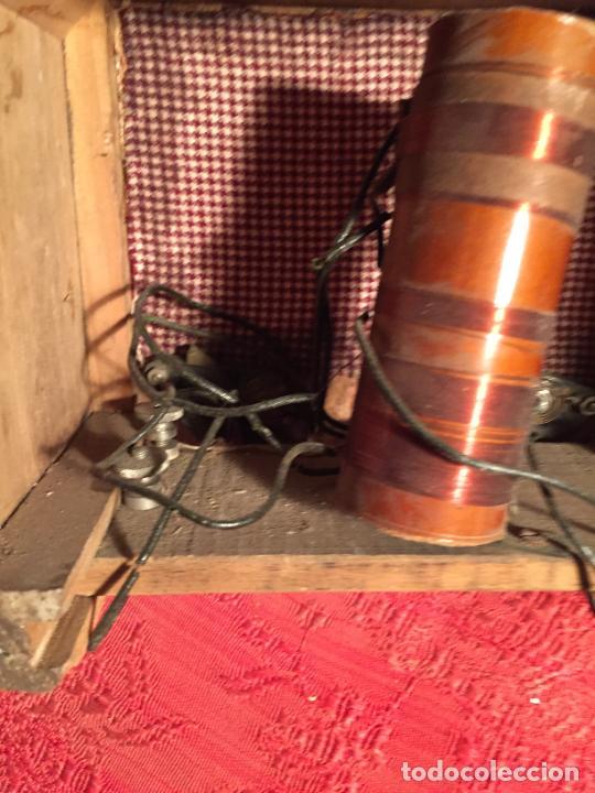 Radios de galena: Antigua pequeña radio de galena con caja de madera interruptores de Baquelita años 20-30 - Foto 8 - 260359590