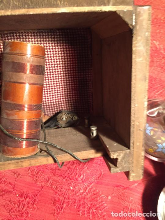 Radios de galena: Antigua pequeña radio de galena con caja de madera interruptores de Baquelita años 20-30 - Foto 9 - 260359590