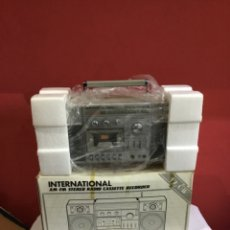 Radio a galena: INTERNATIONAL MODELO MC-S3800 VINTAGE STEREO CASSETTE RECORDER EN SU CAJA ORIGINAL. Lote 263694355