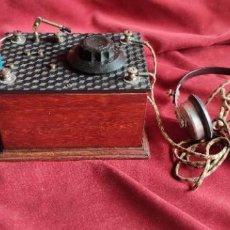 Radios de galena: RADIO DE GALENA CON AURICULARES, VER FOTOS Y DESCRIPCION.. Lote 279508893