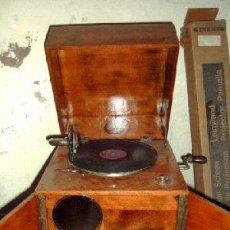 Gramófonos y gramolas: GRAMOFONO O GRAMOLA DE COFRE. Lote 16511621