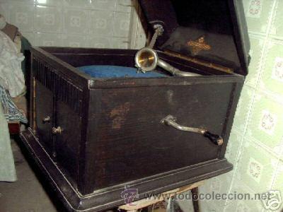 GRAMOFONO DEL TIPO DE COFRE (Radios, Gramófonos, Grabadoras y Otros - Gramófonos y Gramolas)