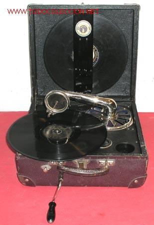 Gramófonos y gramolas: GRAMOLA DE MALETA NIRONA DE COLECCION - Foto 2 - 12508979