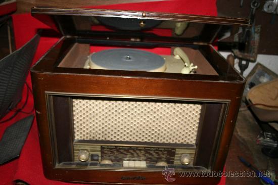 RADIO-TOCADISCOS (Radios, Gramófonos, Grabadoras y Otros - Gramófonos y Gramolas)