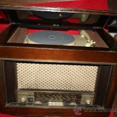 Gramófonos y gramolas: RADIO-TOCADISCOS. Lote 27098791