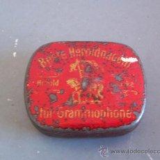 Gramófonos y gramolas: CAJITA PARA PUAS / AGUJAS DE GRAMOFONO ´ BESTE HEROLDNADELN ´, FABRICADO EN ALEMANIA (3,5X4CM APROX). Lote 21267427