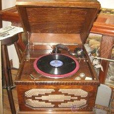 Gramófonos y gramolas: GRAMOLA ELECTRICA - ORIGINAL - - SIN MANIVELA - FUNCIONA A 220 V. . Lote 26113037