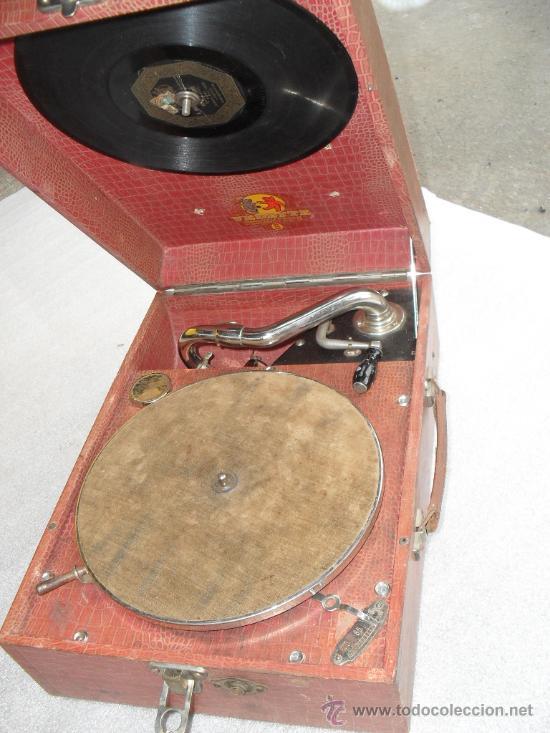GRAMOFONO DE MALETA TRANSPORTABLE ,FUNCIONANDO (Radios, Gramófonos, Grabadoras y Otros - Gramófonos y Gramolas)