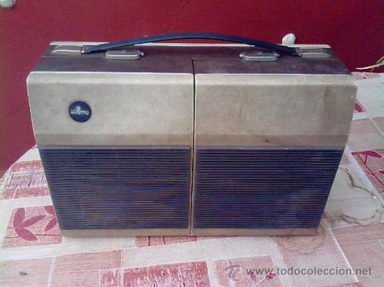 MALETA - TOCADISCOS.............AÑOS 50...........PRECIOSA (Radios, Gramófonos, Grabadoras y Otros - Gramófonos y Gramolas)