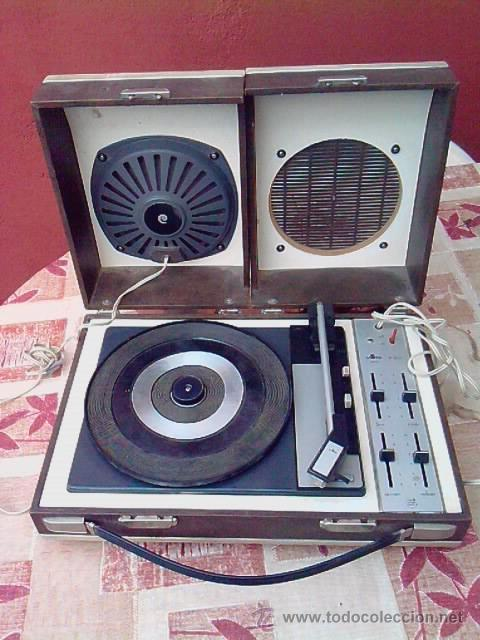 Gramófonos y gramolas: MALETA - TOCADISCOS.............AÑOS 50...........PRECIOSA - Foto 2 - 21712623