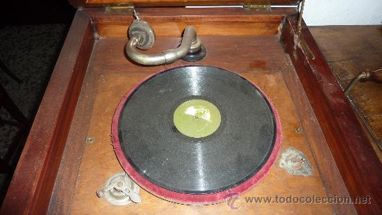 Gramófonos y gramolas: Antigua gramola o gramofono de caja. Solo recogida Barcelona - Foto 4 - 27838150