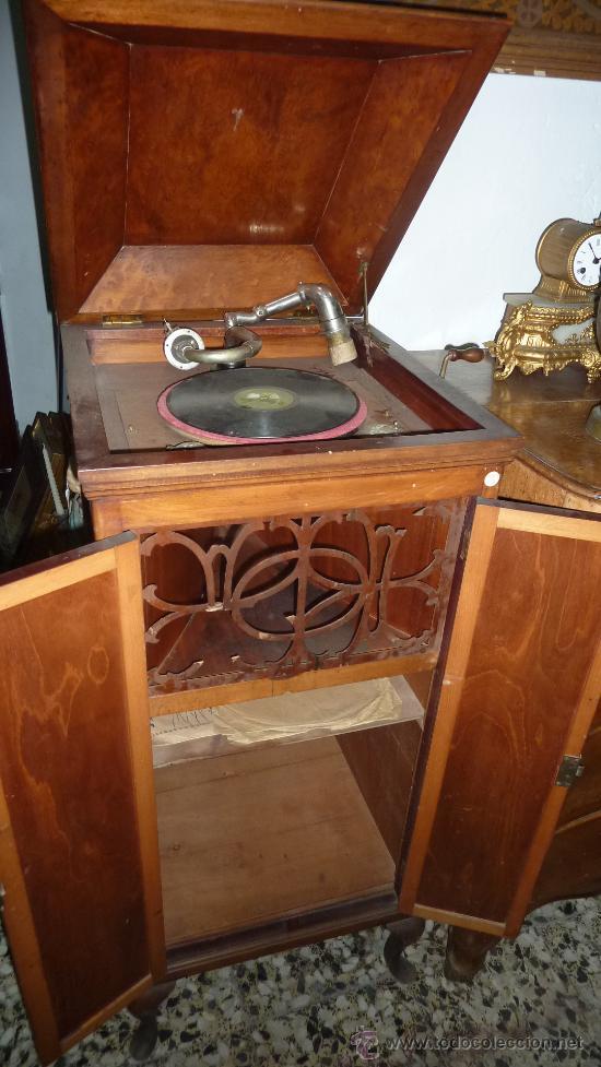 Gramófonos y gramolas: Antigua gramola o gramofono de caja. Solo recogida Barcelona - Foto 5 - 27838150