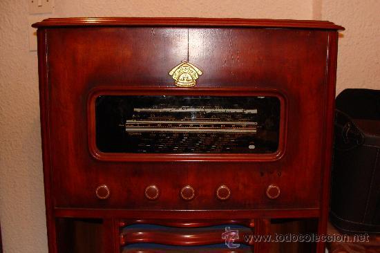 Gramófonos y gramolas: ANTIGUA Y PRECIOSA RADIO - GRAMOLA RESTAURADA PARCIALMENTE - Foto 2 - 30397337