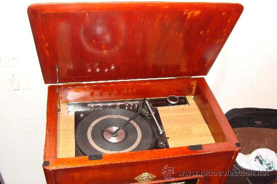 Gramófonos y gramolas: ANTIGUA Y PRECIOSA RADIO - GRAMOLA RESTAURADA PARCIALMENTE - Foto 3 - 30397337