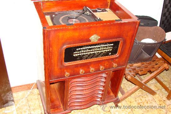 Gramófonos y gramolas: ANTIGUA Y PRECIOSA RADIO - GRAMOLA RESTAURADA PARCIALMENTE - Foto 7 - 30397337