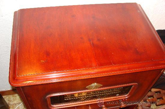 Gramófonos y gramolas: ANTIGUA Y PRECIOSA RADIO - GRAMOLA RESTAURADA PARCIALMENTE - Foto 10 - 30397337