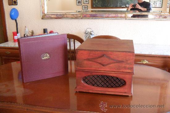 Gramófonos y gramolas: bonito gramofono Pathe con album de discos,la Voz de su amo - Foto 6 - 30806480